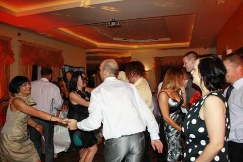 ausgelassene Tanzstimmung in der Villa del Mar
